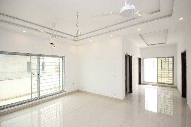 1 Kanal Upper Portion BRAND NEW for Rent in Phase 6