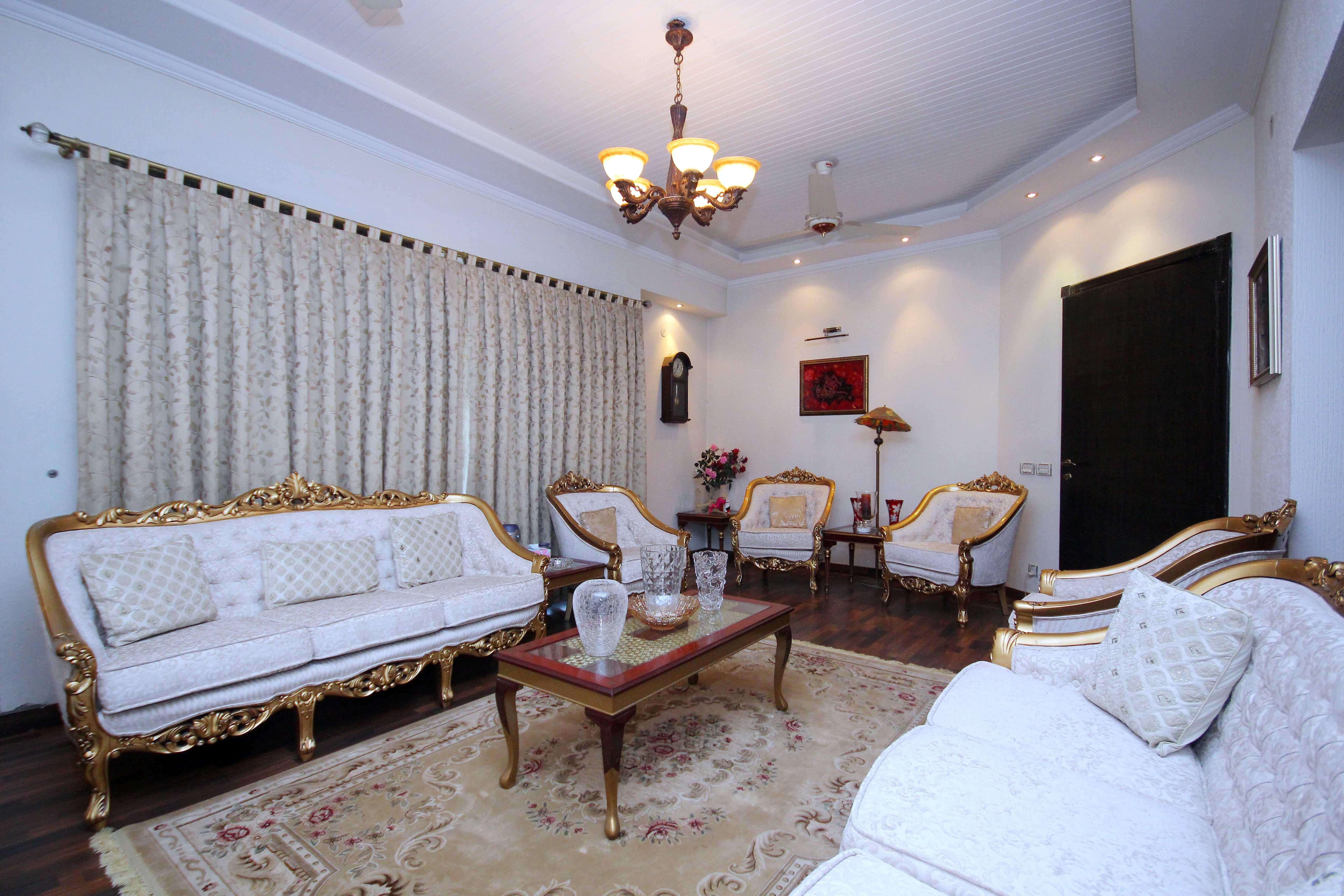 1 Kanal Slightly Used Bungalow DHA Lahore