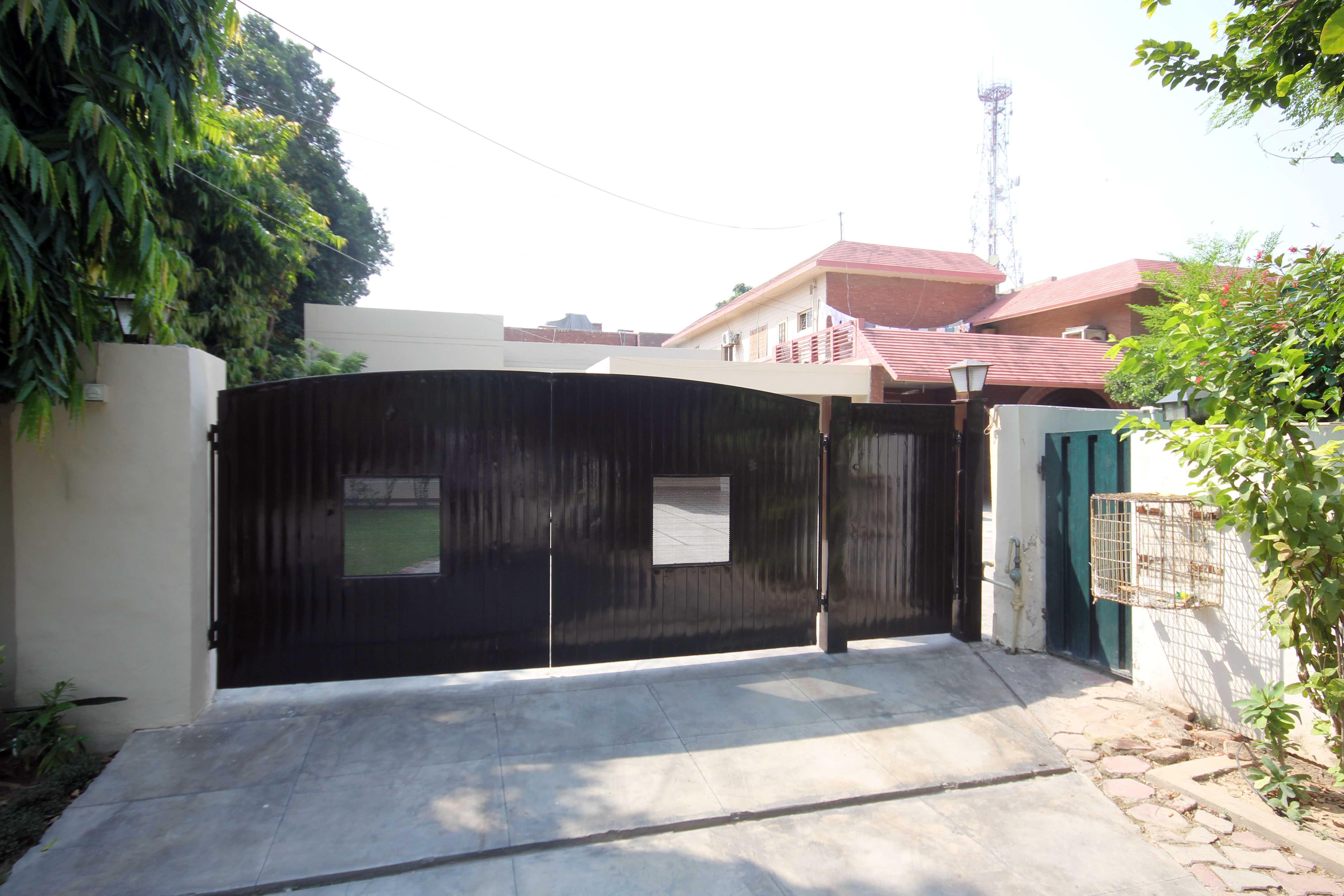 1 Kanal Single Story Full Furnished House