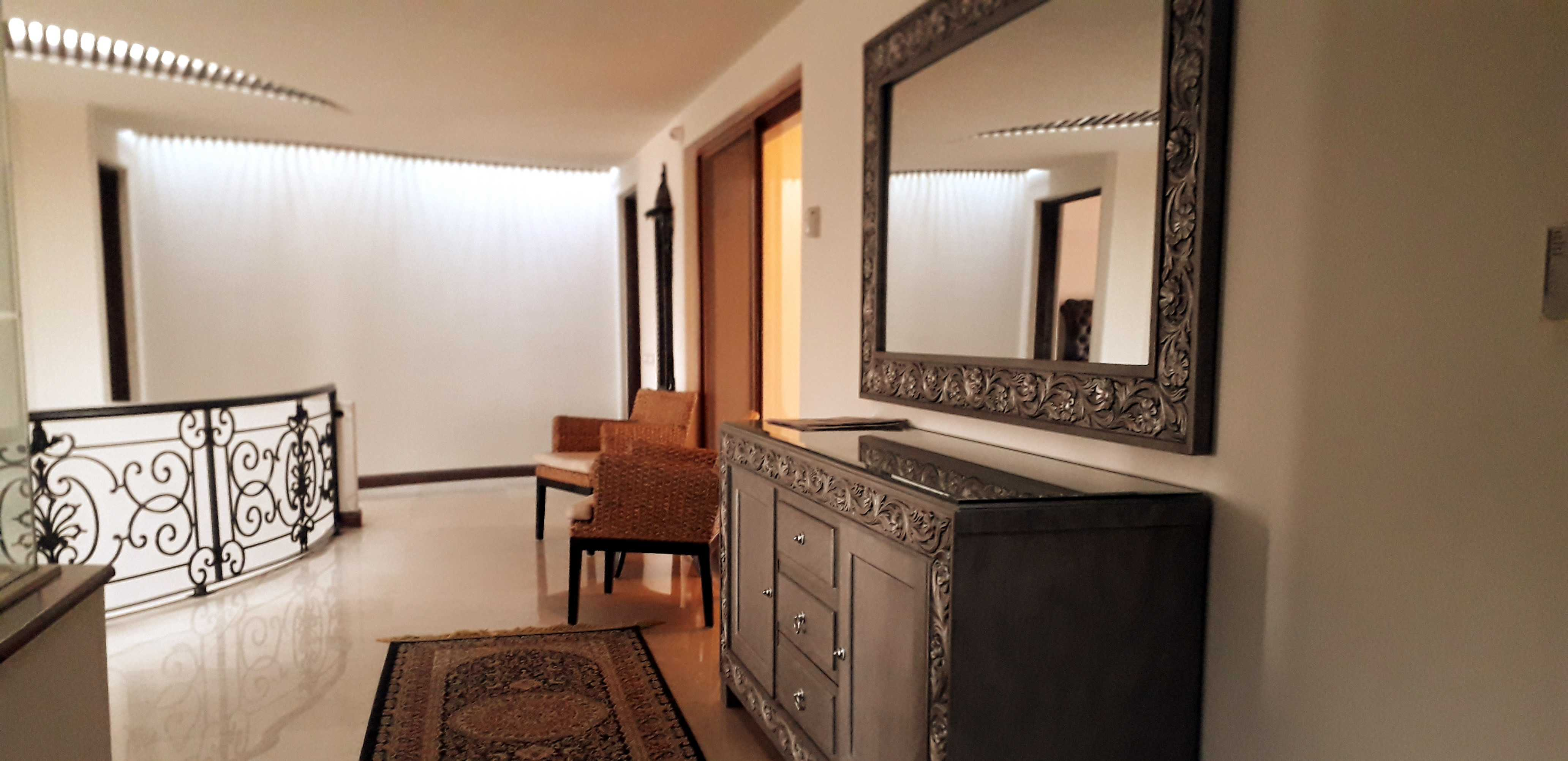 2 Kanal Well Maintained Bungalow DHA Lahore