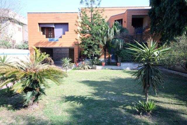 2 Kanal Beautiful House for rent in Model Town