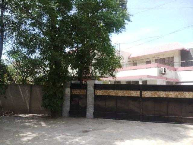 1 kanal upper portion available for rent in cantt