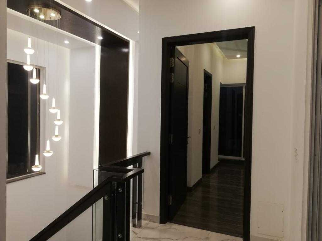 10 Marla Outclass Bungalow DHA Lahore