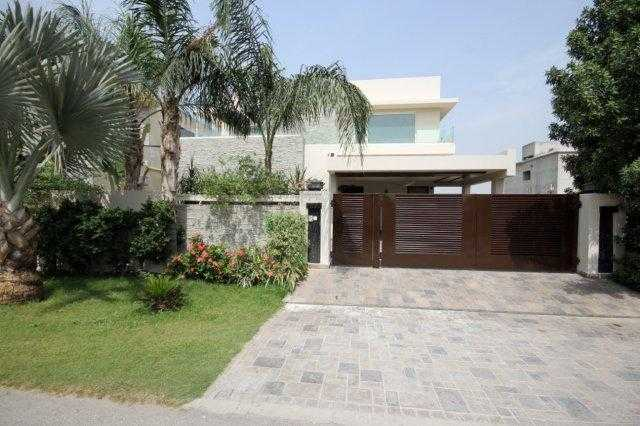 1 kanal Beautiful House For Rent in Phase 6 DHA