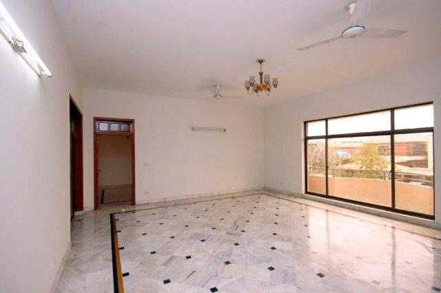 Chohan  Offer 2 Kanal Upper Portion for Rent in Phase 3