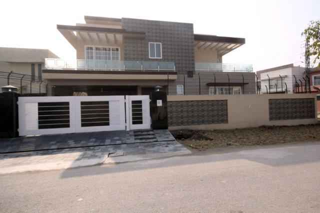 1 kanal Brand New House for Rent In Phase 4 DHA