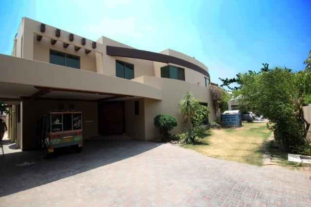 1 kanal house For Rent in Phase 5 DHA.