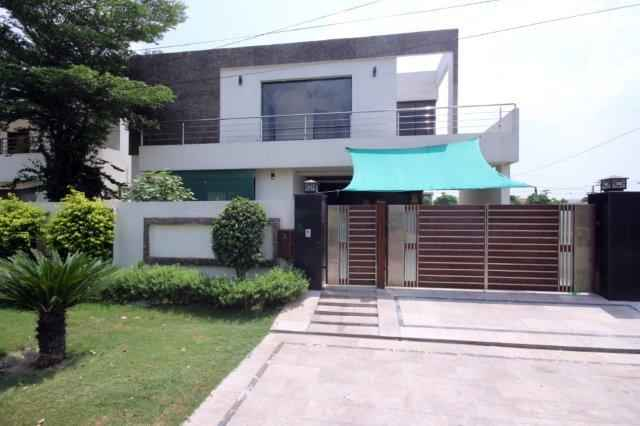 Chohan Offer 1 Kanal Full House available For Rent In DHA EME