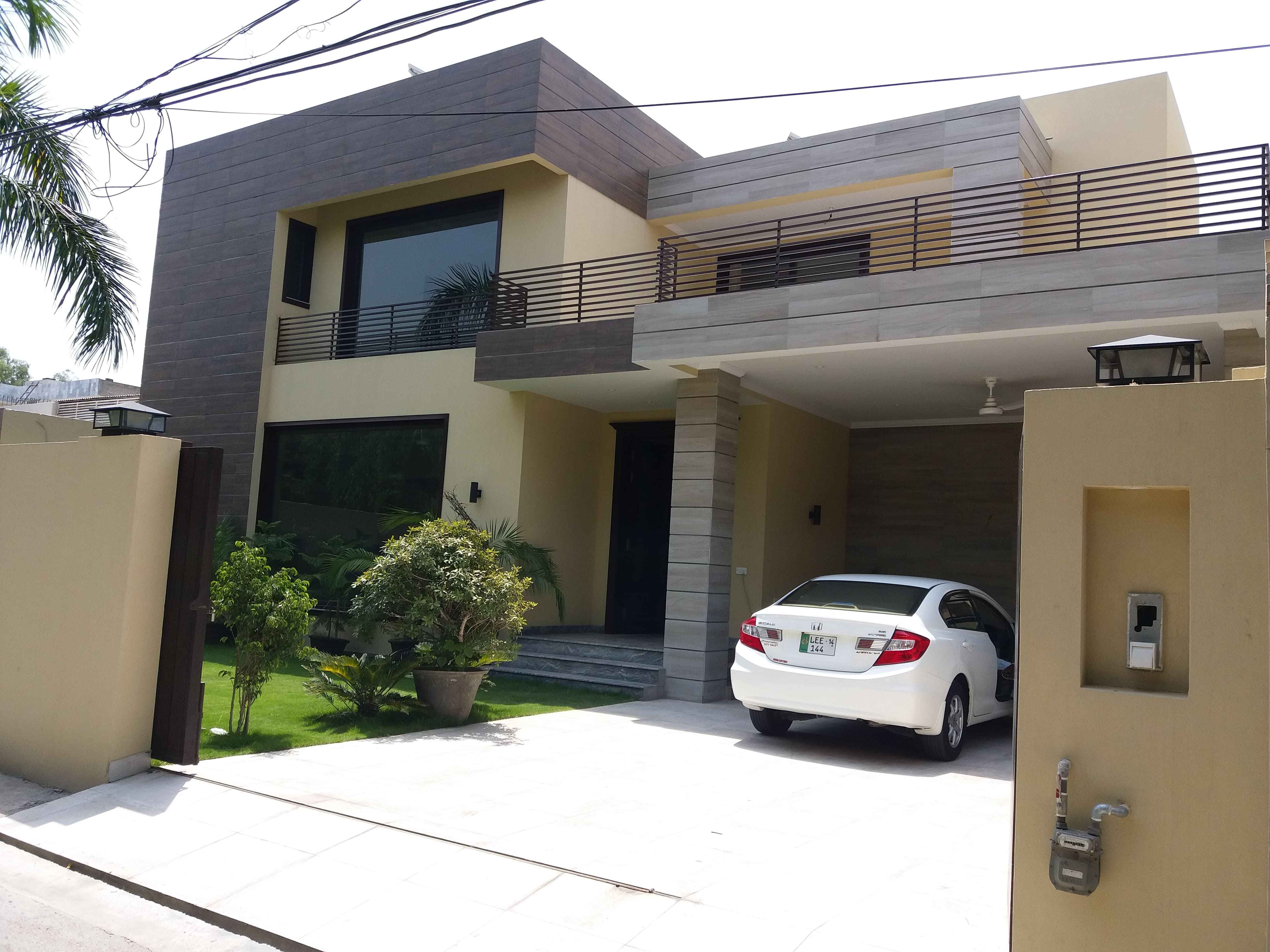 Kanal Brand New Marvelous Bungalow Model Town Lahore