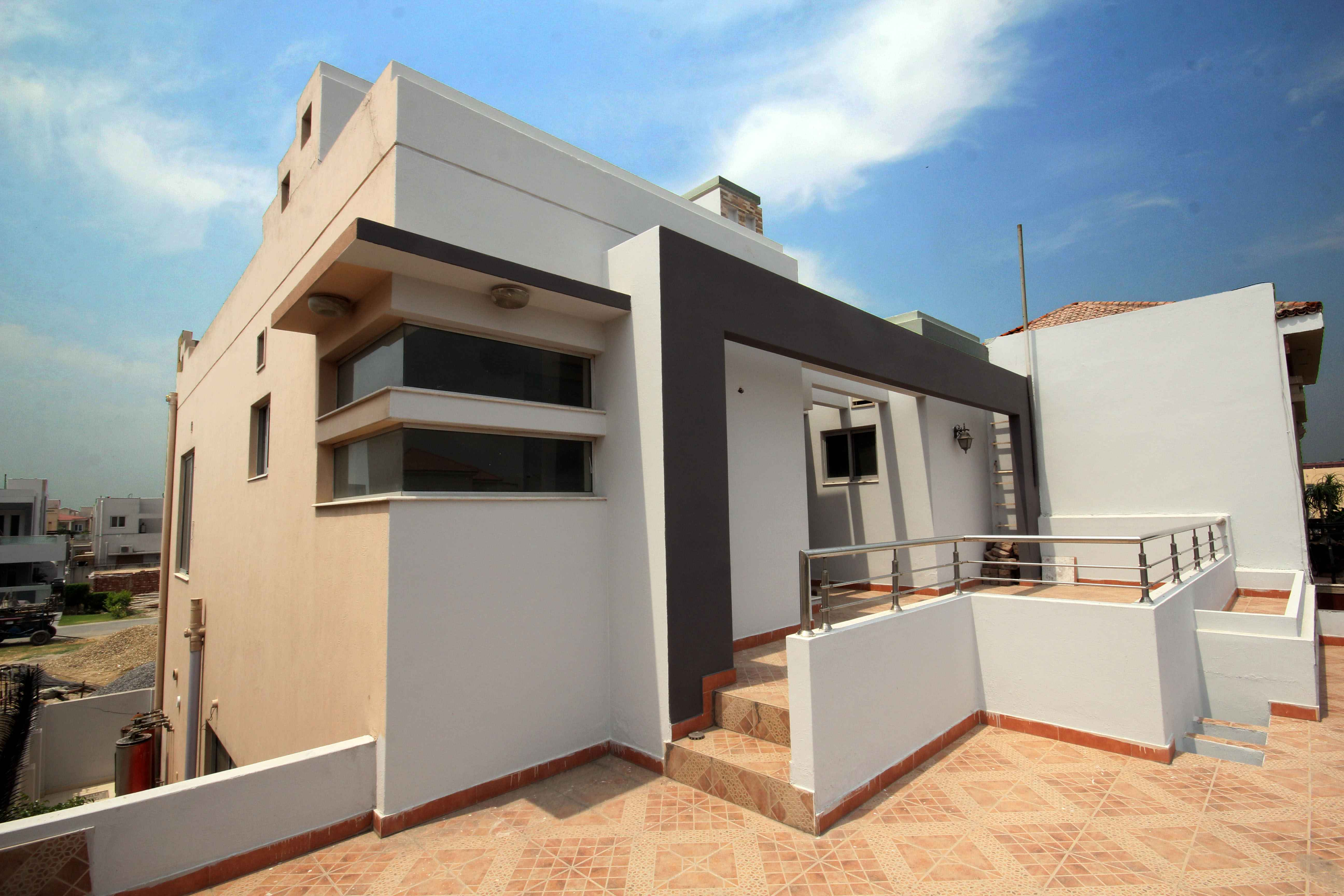 10 Marla House with Basement for Rent in Phase 5 DHA