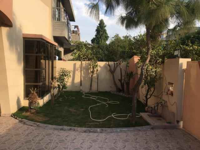 10 Marla Slightly Used Bungalow for Rent in Al Amin Society Lahore