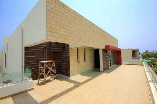 1 kanal Beautiful House with AC & Curtons for Rent in Phase 6 DHA.