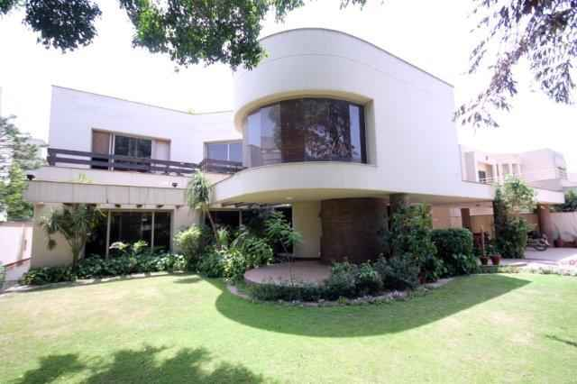 32 Marla General Villa For Rent in Cantt