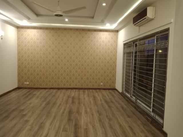 Chohan Offer 1 Kanal Upper Portion for Rent in Phase 5