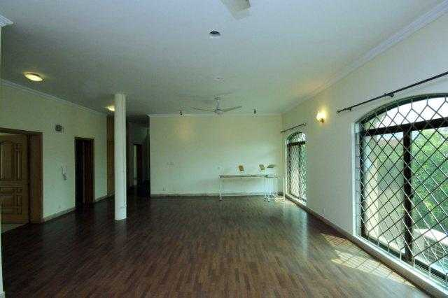 1 Kanal Upper Portion with Separate Gate for Rent in Phase 4