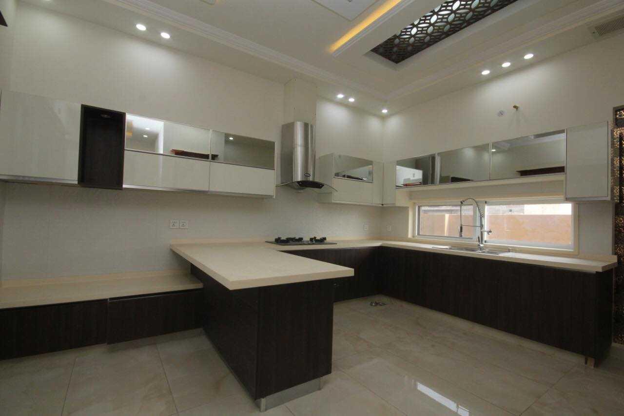 1 Kanal Spanish Full Basement House in T, Phase 7 DHA Lahore