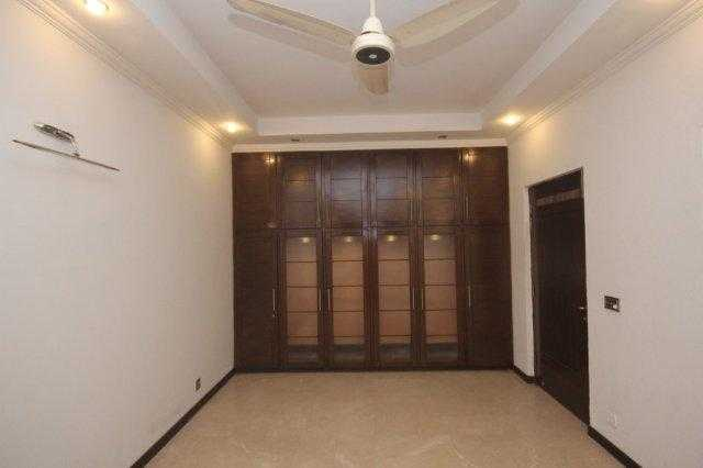 Chohan Offer 10 Marla House Available For Rent In DHA Phase 5