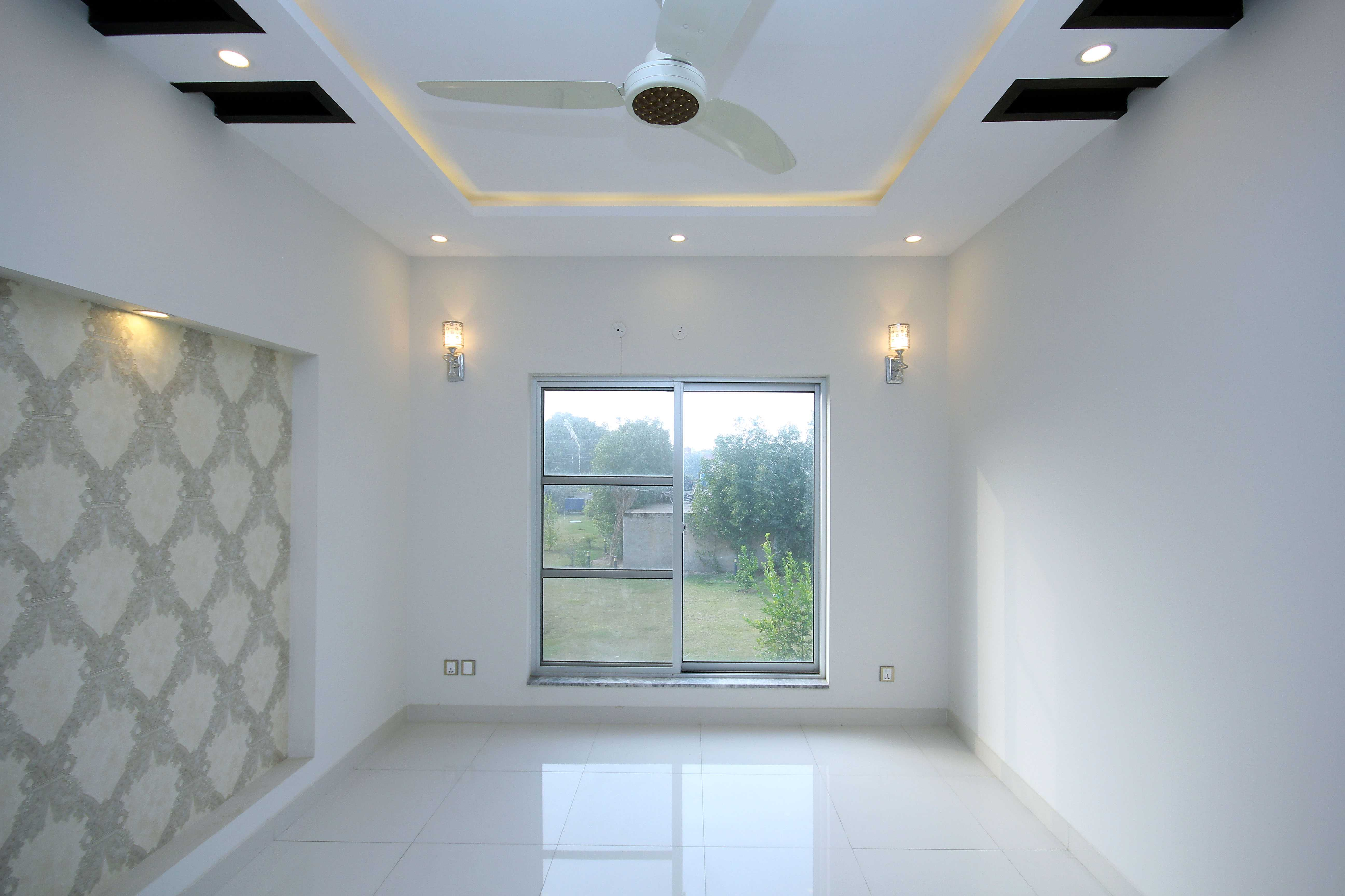 Kanal Brand New Marvelous Bungalow Phase VI