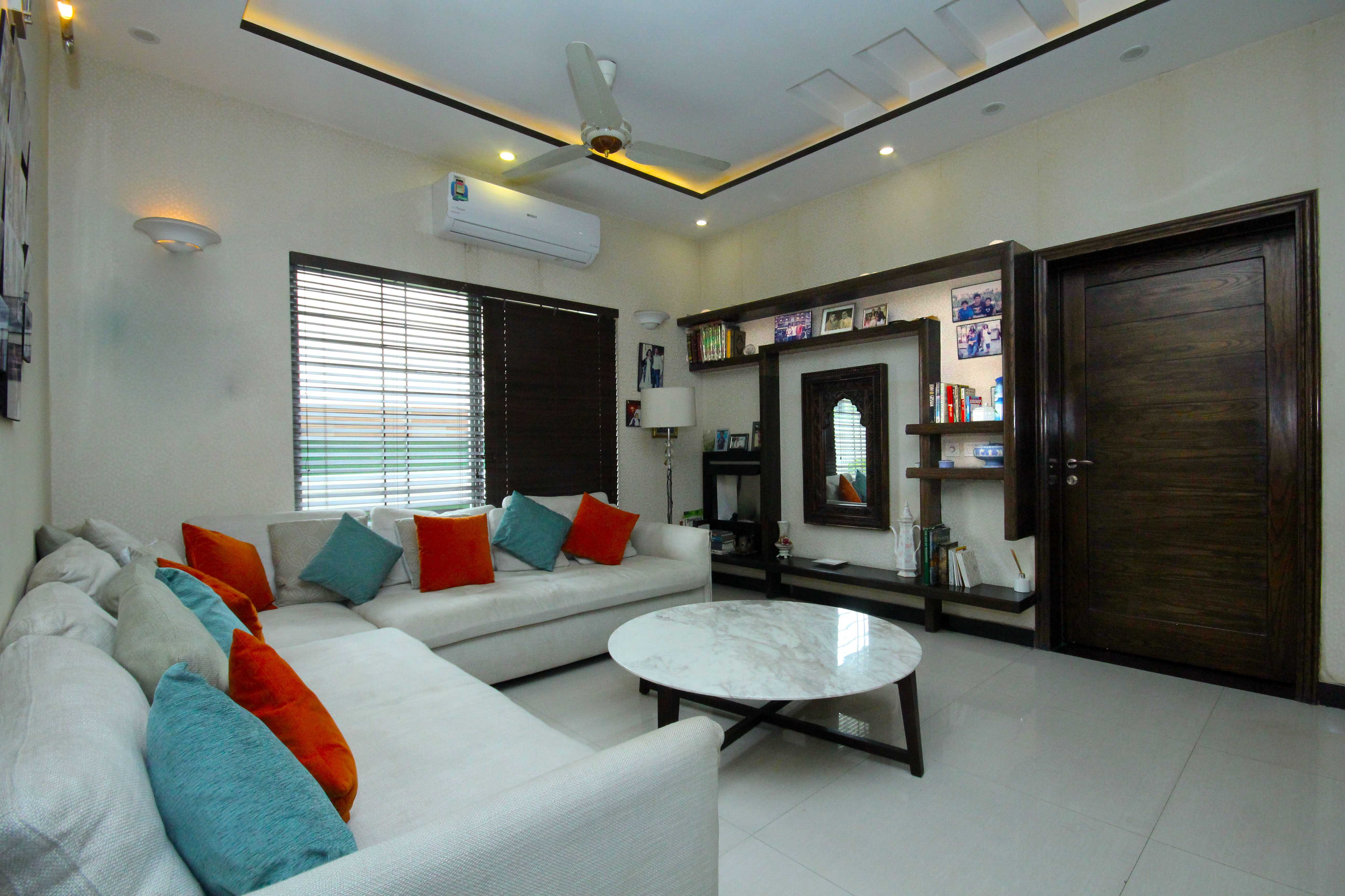 10 marla Self constructed Marvelous Bungalow Phase V