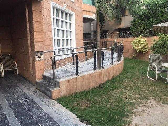 1 Kanal Stylish Bungalow with basement For Rent in Phase 5