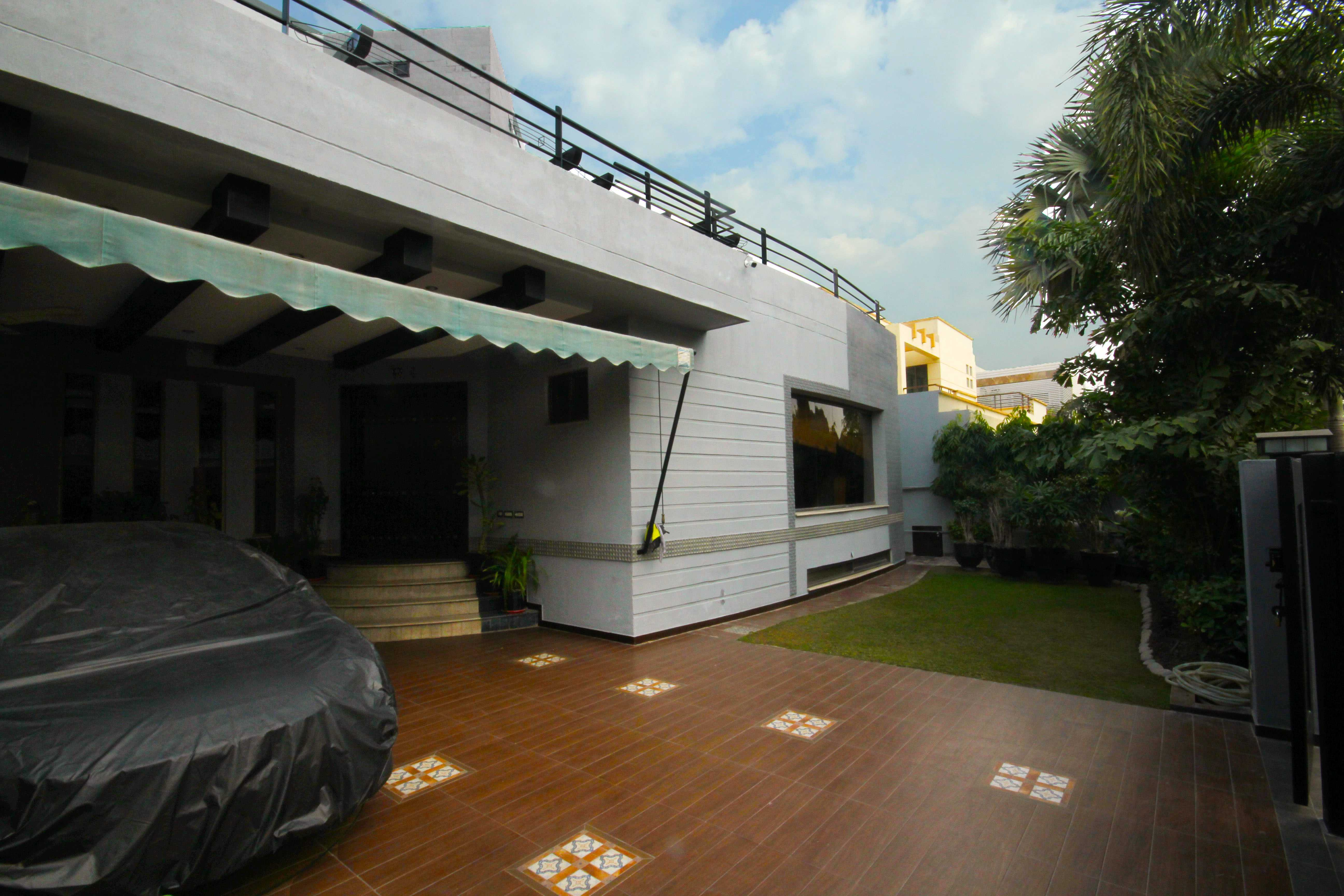 Kanal Self Constructed Marvelous Bungalow DHA