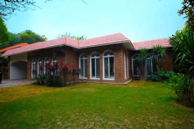 2 Kanal House Available for Rent in Cantt