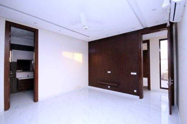 1 kanal Stylish House for Rent in Phase 6 DHA