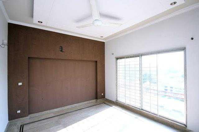 10 Marla House for Rent in Phase 5