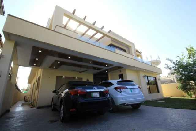 1 Kanal Full House with Basement for Rent in DHA