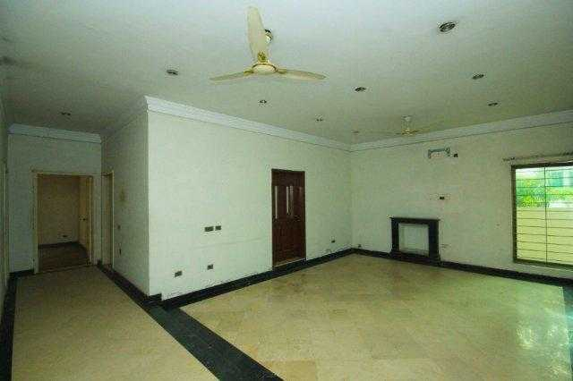 1 Kanal Lower Portion Upper Portion Lock for Rent in DHA