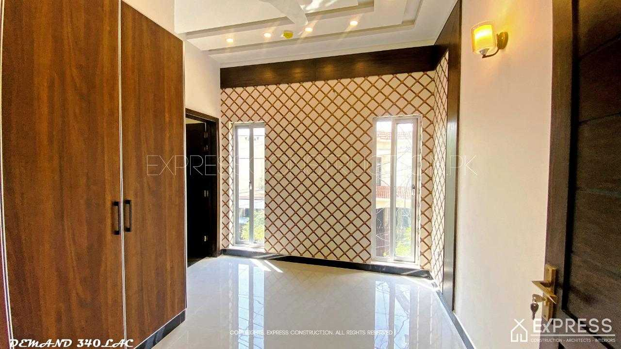 7.5 Marla Self constructed Bungalow DHA