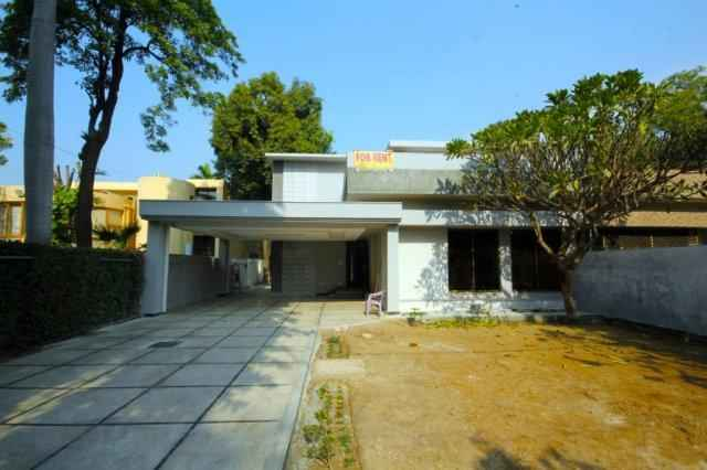 22 MARLA House Available for Rent Cantt Near Foutrees Stadium Near Rahat Bakery