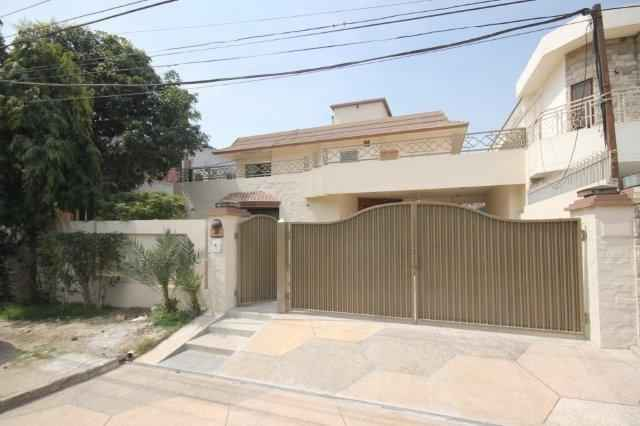 1 Kanal Full House with AC and curtains Installed for Rent in Phase 1