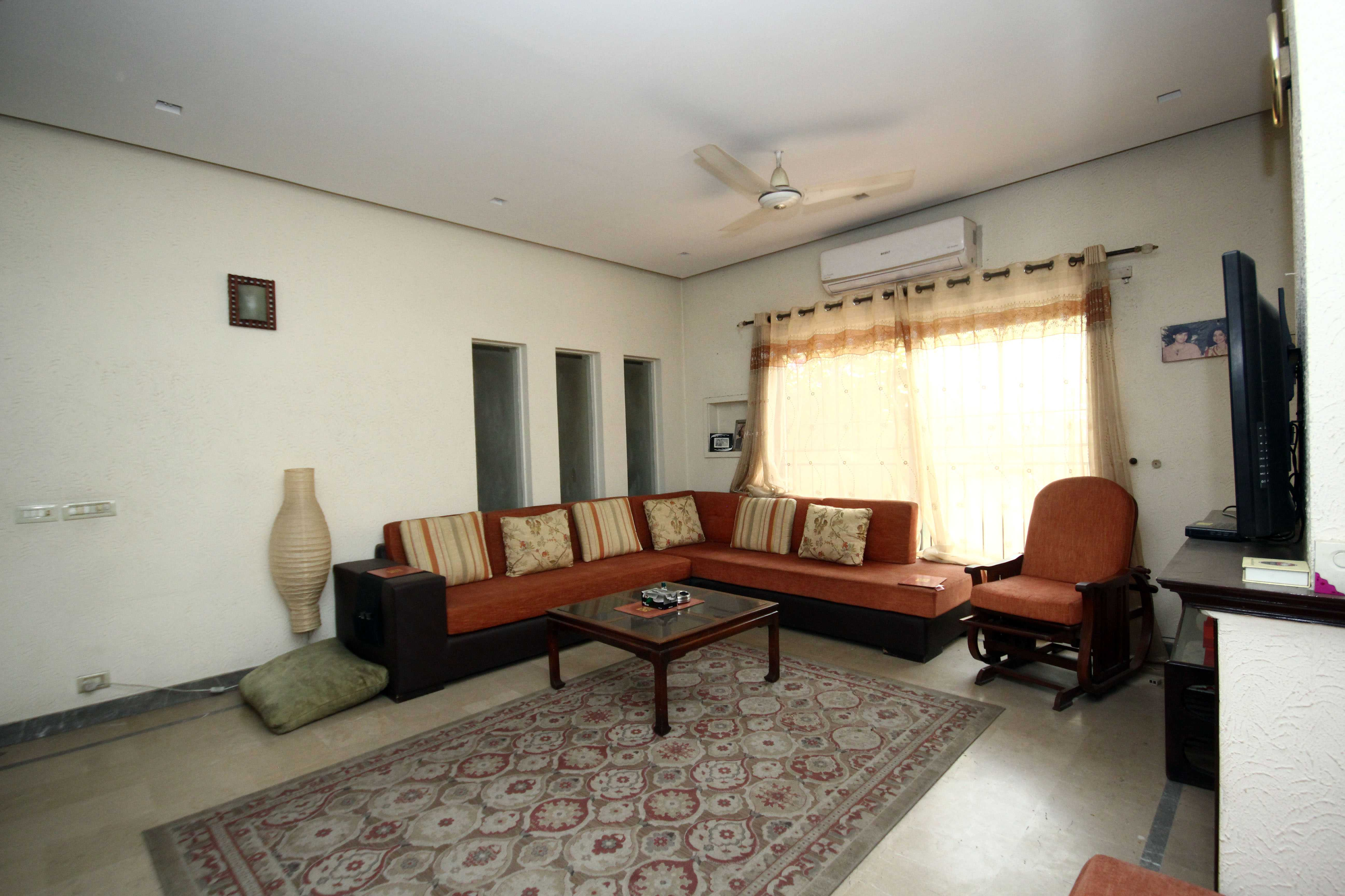 Kanal State of the art bungalow Sui Gas Society