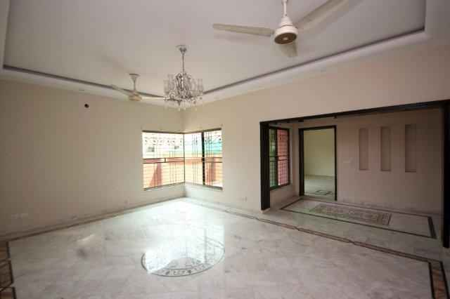 1 Kanal Full House Double Unit for Rent in Phase 4