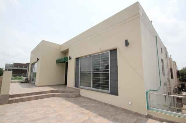 1 Kanal Upper Portion with 2 Car Parking for Rent